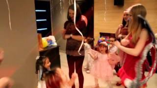 День рождения Даши(моей племяннице 3 годика...снял для нее видео на память:)музыкальное сопровождение группы
