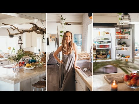 VEGAN KITCHEN TOUR🌿 + updated what's in my fridge!