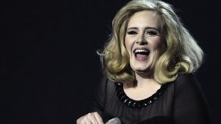 Baixar Adele Sells 1.16 Million Albums in Her 2nd week w/ '25'. She's Accounts for 30% of all Music Sales.
