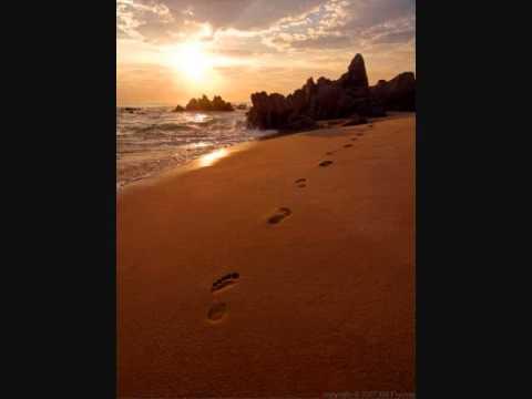 Never alone (He walks beside me) Walter Hawkin