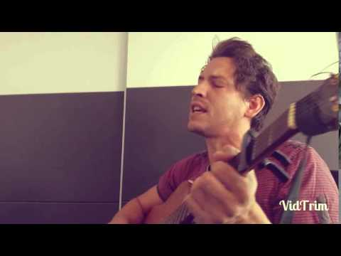Revolverheld - Lass uns hier raus (Daniel Munoz)