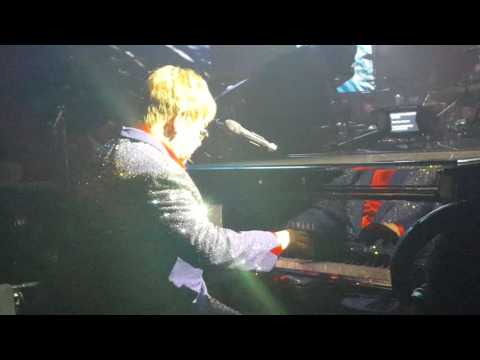 Elton John Live at his annual Oscar party Elton John AIDS Foundation 2/28/16