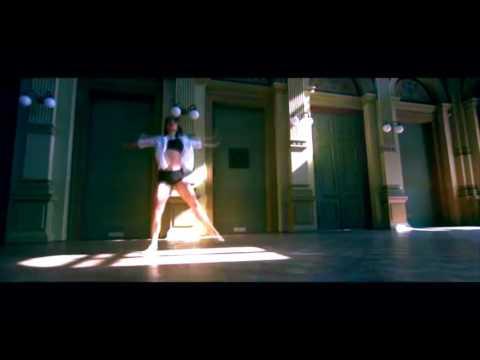 Sal Houdini - Dance On Me