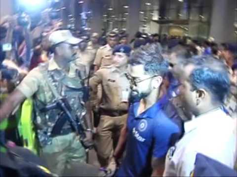 Indian cricket team arrives in Mumbai for WorldT20 semi-final