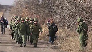 Киев и Донецк развели силы в районе села Петровское.