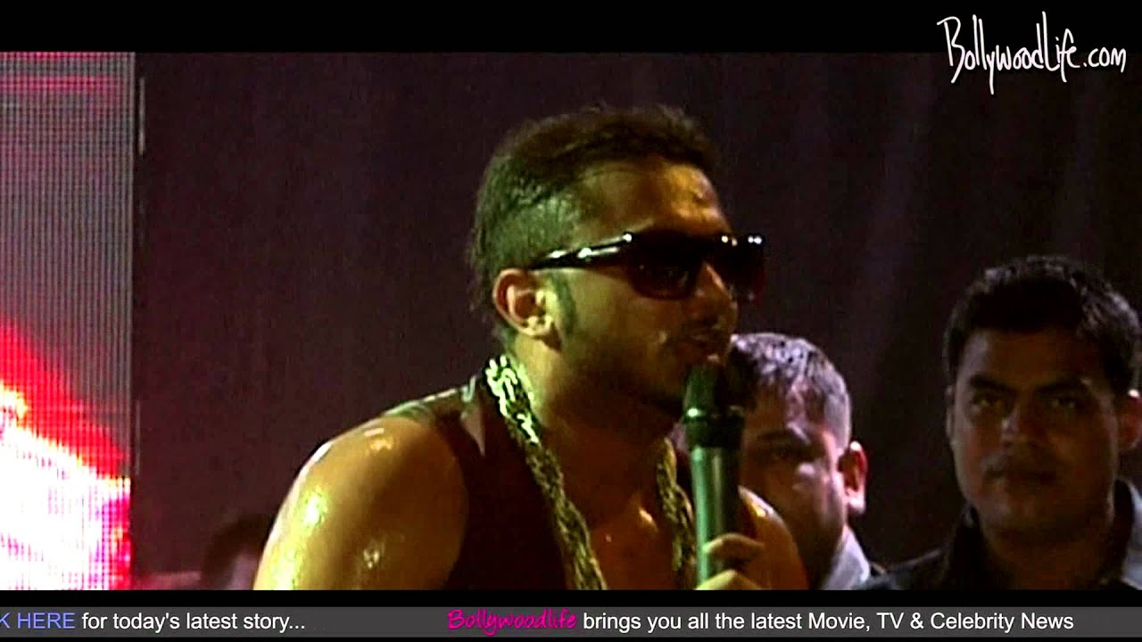 Yo Yo Honey Singh Performs With The Cast Of Go Goa Gone