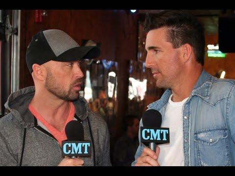 CMT Radio: Jake Owen Reveals His First Love