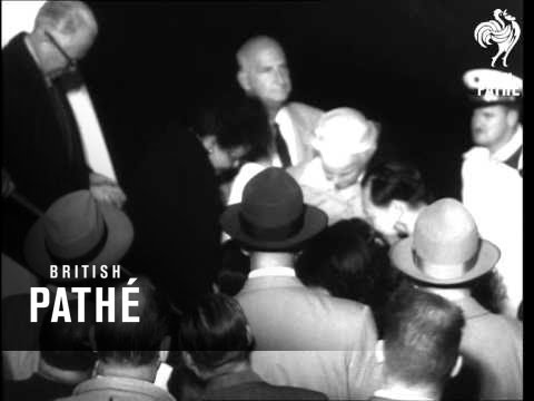 Mme Chiang Kai Shek Arrives In America   (1952)