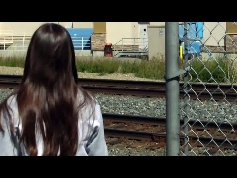 Alta. teens ticketed $600 each for crossing railroad tracks