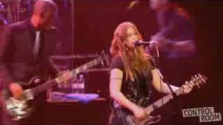 Alanis Morissette - Eight Easy Steps - live Brixton 2008