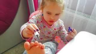 Вот как надо красить ногти  СМЕШНЫЕ ДЕТКИ  прикол  Vlad and Nikita