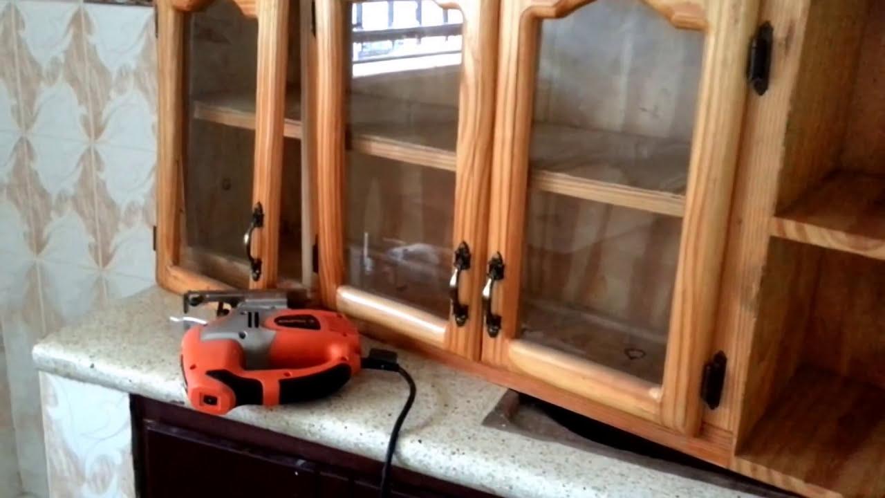 Gabinete de cocina en pino y playwood pedro aguero for Bar de madera de pino