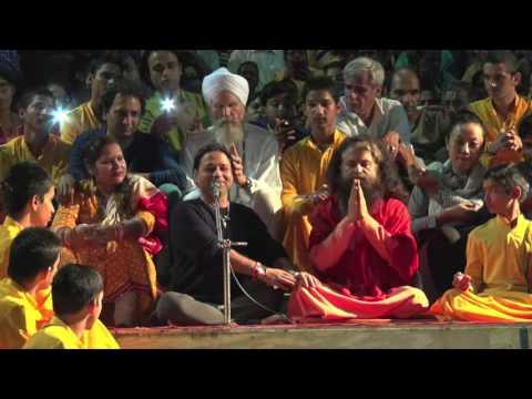 Kailash Kher Visits Parmarth Niketan