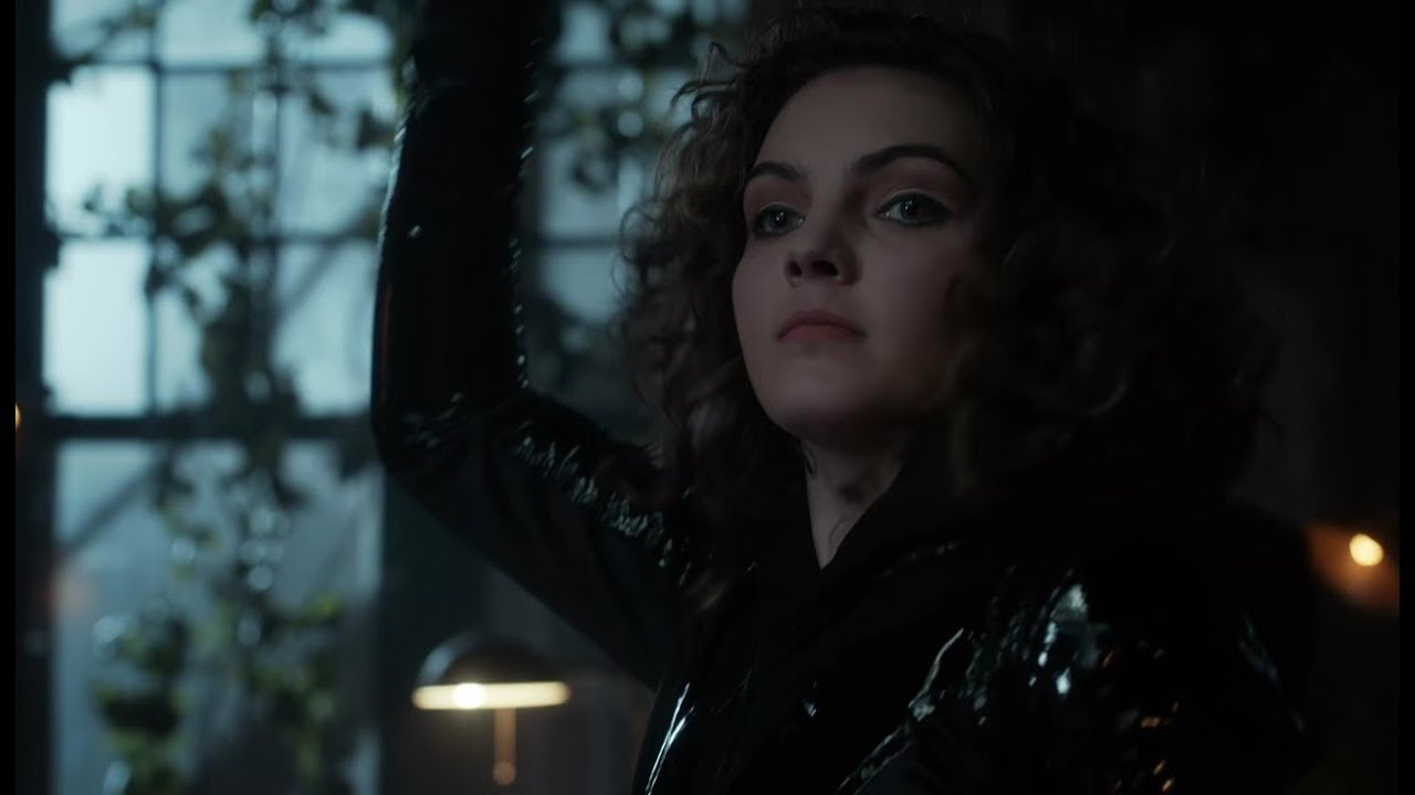 Download Gotham   Selina Wears Catwoman Outfit
