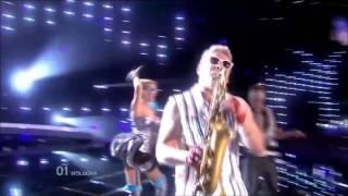 baile epico y sensual del chico saxofon