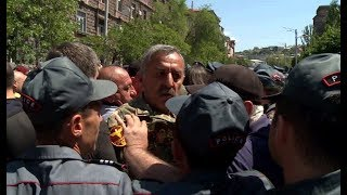 Մանվել Գրիգորյանի աջակիցները պահանջում են ազատ արձակել նրան