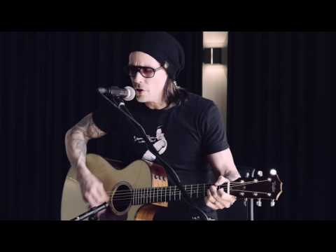 Myles Kennedy - Before Tomorrow Comes (Live)