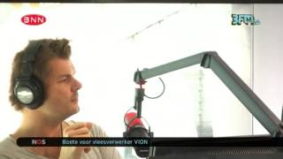 [Coen en Sander Show] Domien Onderonsje: Vriendelijk zijn en foto de poto 15-04-2014