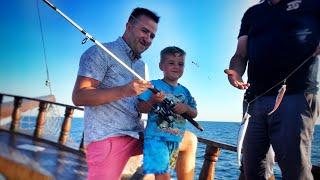 Геленджик и самая лучшая морская экскурсия с анимацией и рыбалкой в море.