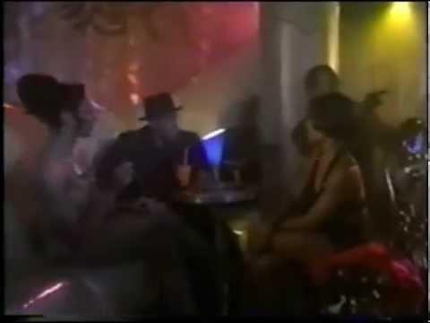 Woo (Jada Pinkett Smith 1998) - Hop vs Drag Queen scenes