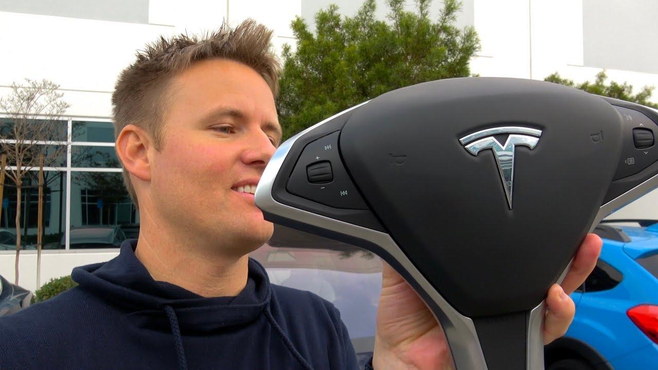 what-s-inside-a-tesla-steering-wheel