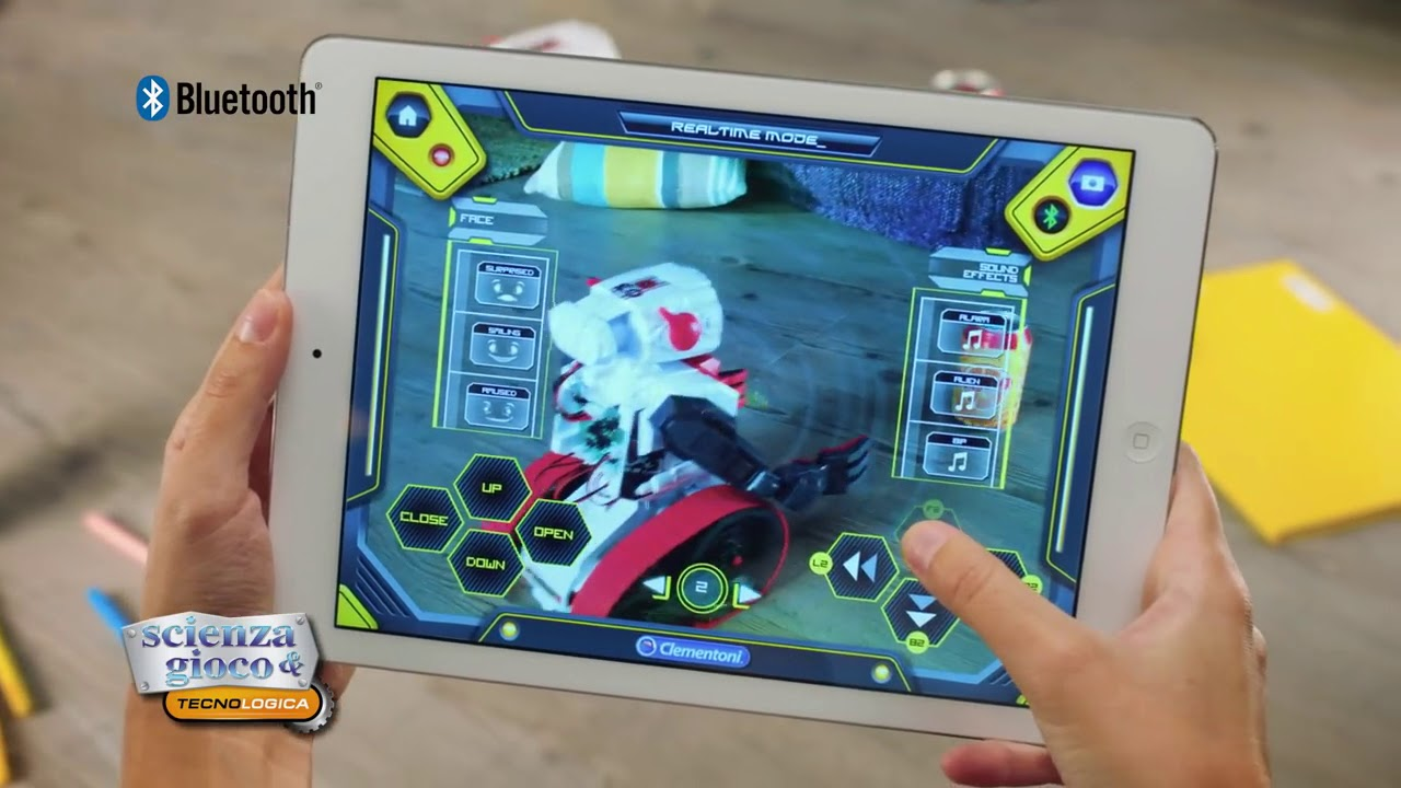 25e0a668756c Evolution Robot Clementoni - YouTube