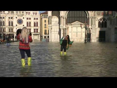 شاهد: ايطاليا تعلن حالة الطوارئ في البندقية اثر ارتفاع مستوى المياه…  - 21:59-2019 / 11 / 14