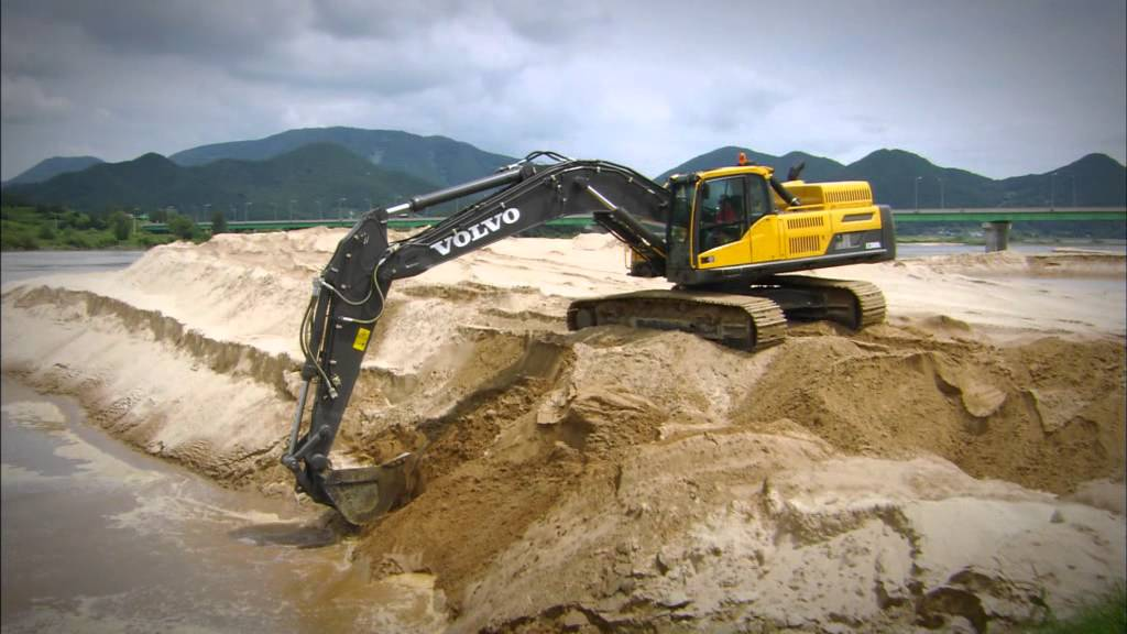 Volvo Ocean Race and Volvo Construction Equipment 2011-2012 - YouTube
