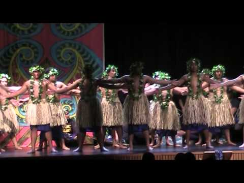 ST BERNARDS TOKELAU GROUP - performance at Sacred Heart College Fiafia Night (September 2014)