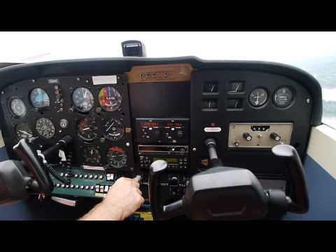 Cessna 172 Very Strong Crosswind And Gusty Landing At Ottawa/Rockcliffe Airport (YRO/CYRO)