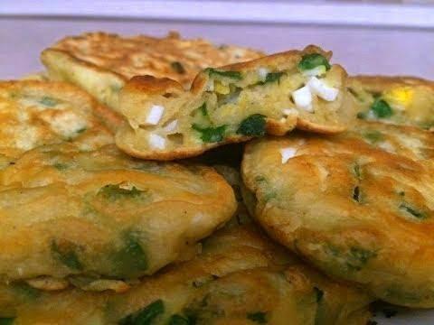 Ленивые пирожки. Оладьи с яйцом и зеленым луком. Быстрые пирожки ...