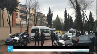 امرأتان مسلحتان تهاجمان مقر شرطة مكافحة الشغب في اسطنبول
