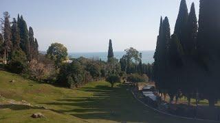 Абхазия - нищета и прекрасная природа. Гагра, Пицунда, озеро Рица, Ново-Афонский монастырь и пещера