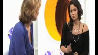 Nanda Costa dá entrevista a canal de TV fechada