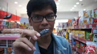 Prank Kecoa di Dalam Bungkus Makanan Tersegel - abracadaBRO Magic Prank Indonesia