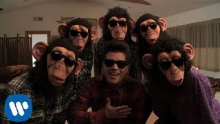Bruno Mars - The Lazy Song [OFFICIAL VIDEO](Moonshine Jungle Tour 2014 tickets and more info: http://www.brunomars.com/moonshinejungletour Available now on iTunes! http://smarturl.it/Doo-Wops ..., 2011-04-15T22:08:07.000Z)