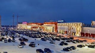 В Сургуте эвакуировали 3 тысячи человек из торгового центра