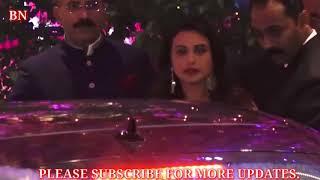 Mukesh Ambani Gives Gold Gift To Bollywood Celebs On Her Son Akash Ambani Engagement Reception.