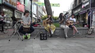 """""""볼빨간 사춘기-The Lazy Song"""" 영주 버스킹(20130608)"""