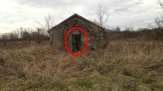 Encontró esta granja abandonada en medio de la nada, lo que vio dentro jamás en su vida lo olvidará
