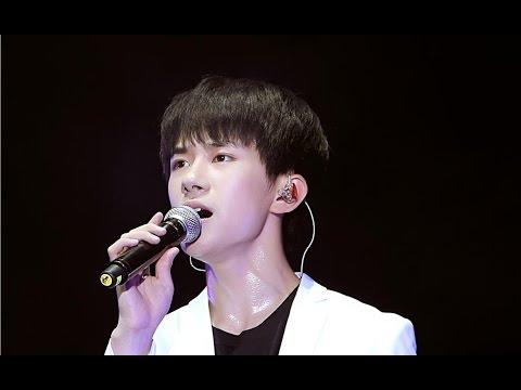 【TFBOYS三周年北京】易烊千玺《样YOUNG》FOCUS 超性感的饭拍Fancam【Jackson Yi YangQianXi】