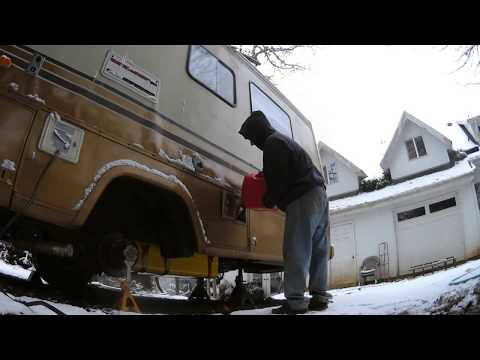 88 Winnebago Chevy P30 | Gas Tank Removal & Repair | Welding A Large Hole