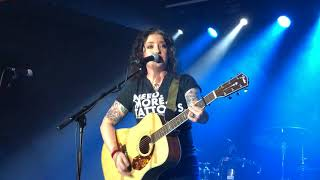 Ashley McBryde - Fat and Famous Live in London