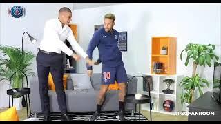Neymar y Mbappé haciendo el baile de Fortnite.