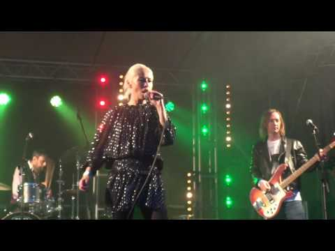 Wendy James - If Looks Could Kill - Darwen Live 2016 29/05/2016