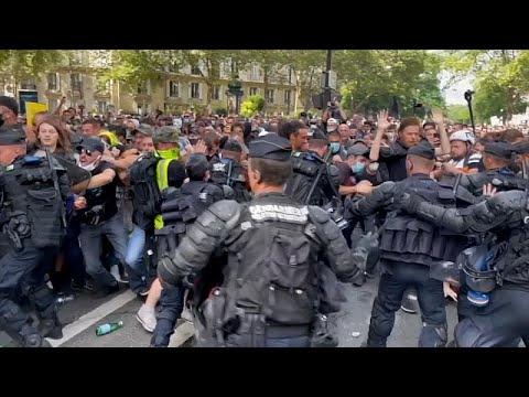 شاهد: أكثر من 150 ألف فرنسي يتظاهرون ضد إجراءات احتواء كوفيد-19…  - 09:54-2021 / 7 / 25