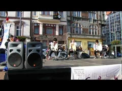 Na Bytomskim Rynku. Czerwiec 2011 (1).MP4