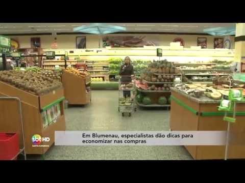 Em Blumenau, especialistas dão dicas para economizar nas compras