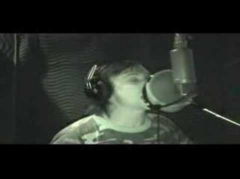 Benjamin Kowalewicz (Billy Talent) Singing