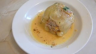 Перец фаршированный в сметанном соусе